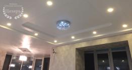 Трехуровневый белый сатиновый потолок
